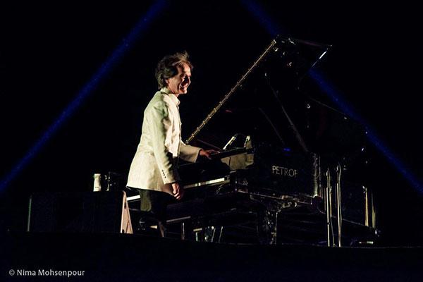 اجرای شهرداد روحانی در بیستون - پیانول